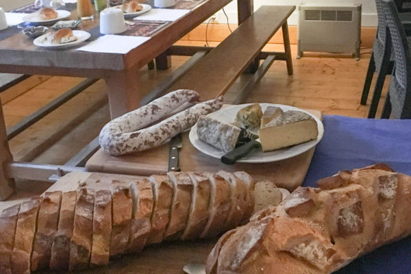 cuisine traditionelle auvergnate tables d' hotes